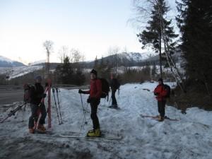 Trzy Źródła, czterech skiturowców.